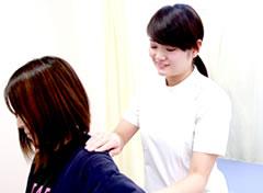首・肩の可動域検査写真